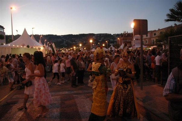... the internacional festival de javea which is held outdoors in avenida