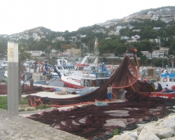 Fishermen at work in Jvea